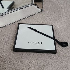 Gucci Box & Ribbon